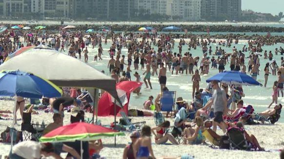 https3a2f2fcdn.cnn_.com2fcnnnext2fdam2fassets2f200317140447-clearwater-beach-spring-break-coronavirus-mxp-vpx-00000000